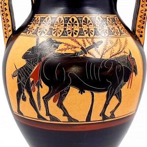 Αμφορέας 31cm,Δίγλωσσος ,Απεικονίζεται ο Ηρακλής που οδηγεί τον Ταύρο για θυσία